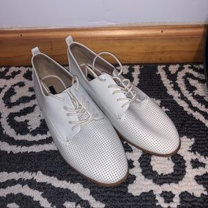 White loafer sneaker shoes